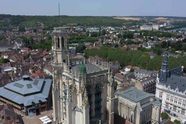 Sens et sa cathédrale.
