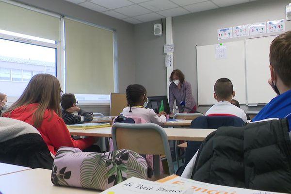 Le collège Jean Rostand à Armentières.