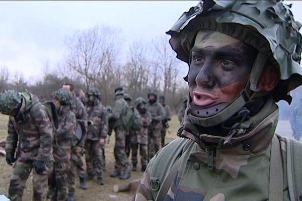Des élèves de l'école de gendarmerie.