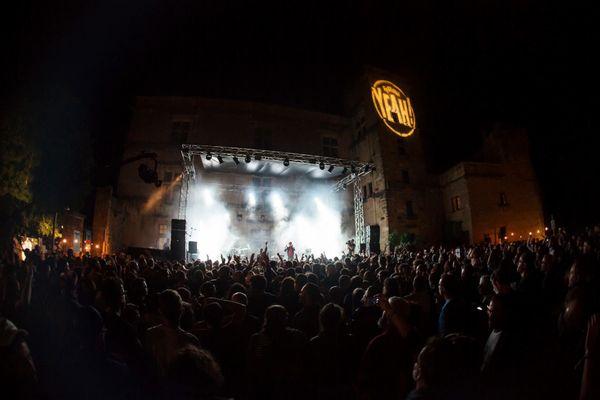 Le festival Yeah ! se déroule au début du mois de juin devant le château de Lourmarin (Vaucluse).