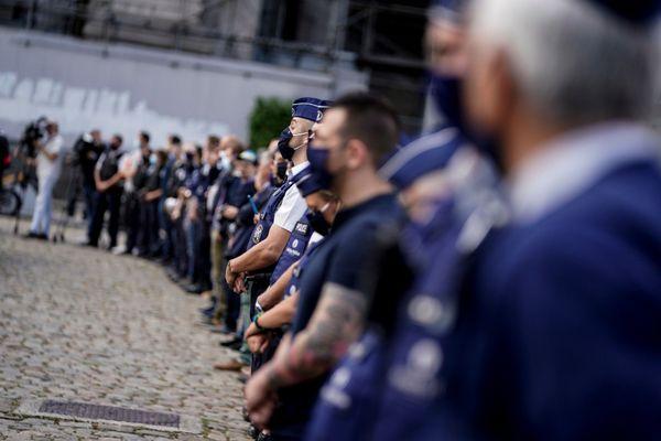 Rassemblement de policiers ce vendredi à Bruxelles devant le palais de justice.