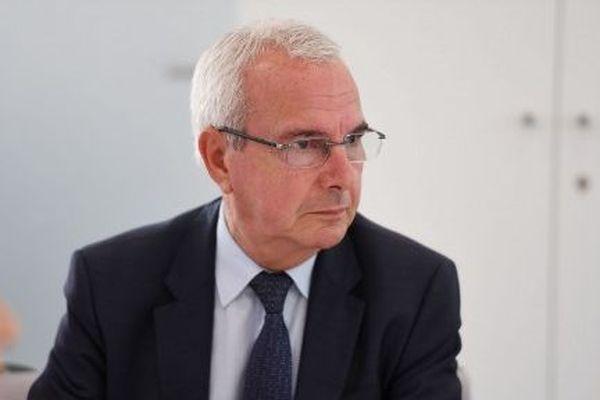 """""""L'objectif de l'extrême droite a toujours été de combattre la droite républicaine, depuis le gaullisme jusqu'à aujourd'hui"""" - Jean Leonetti"""