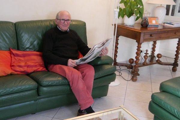 Michel Foucher chez lui