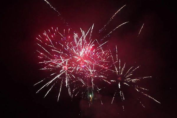 De nombreuses communes ont décidé de maintenir leurs feux d'artifices pour la fête nationale.