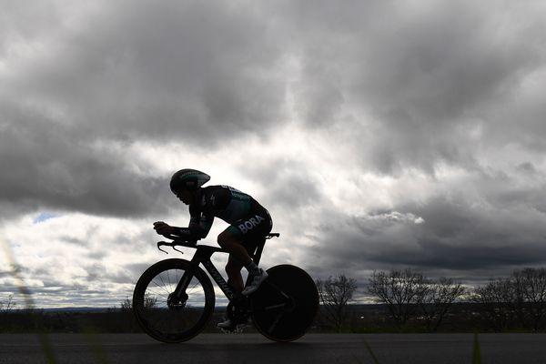 L'arrivée de la 5e étape du Paris-Nice à la Côte-Saint-André, ce jeudi 12 mars, se déroulera sans spectateur dans les 300 derniers mètres.