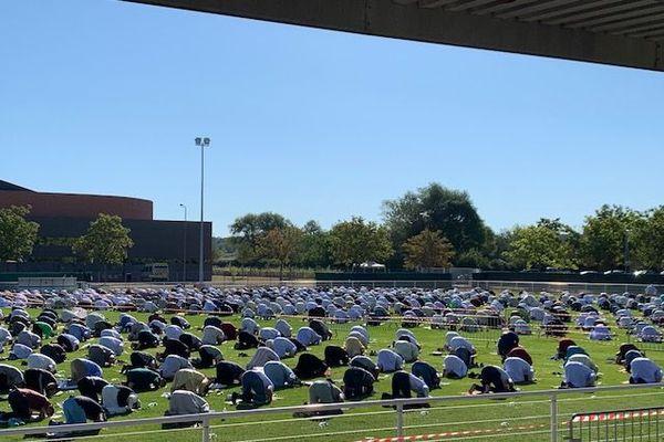 Près de 2000 musulmans prient ensemble en ce jour de l'Aïd el-Kebir 2020