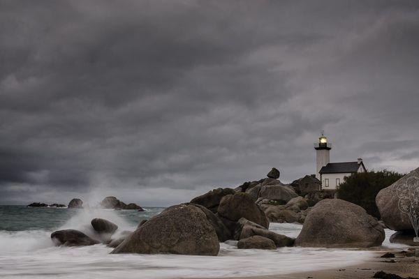 Photo envoyée par Kristell Pibouleau - phare de Pontusval