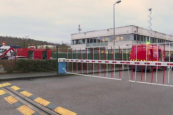4 février 2021- Intervention des pompiers après une fuite d'acide nitrique dans l'usine Brenntag de Montville (Seine-Maritime)