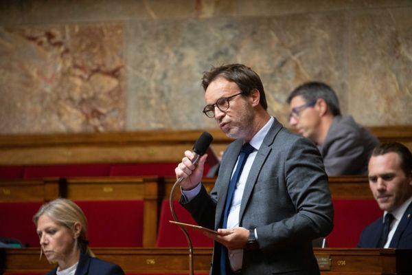 """Le député des Alpes-Maritimes Cédric Roussel demande une enquête parlementaire pour """"mettre la lumière sur les responsabilités""""."""