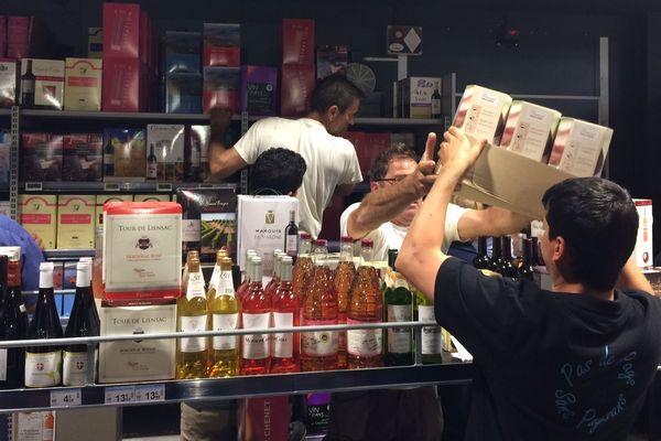 Les viticulteurs de l'Hérault ont mené une action de communication dans un supermarché de Pézenas - 12 avril 2017