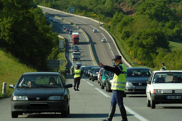 (Archives le 13/05/2008) - Grande opération de police entre Limoges et Brives sur l'autoroute A20.
