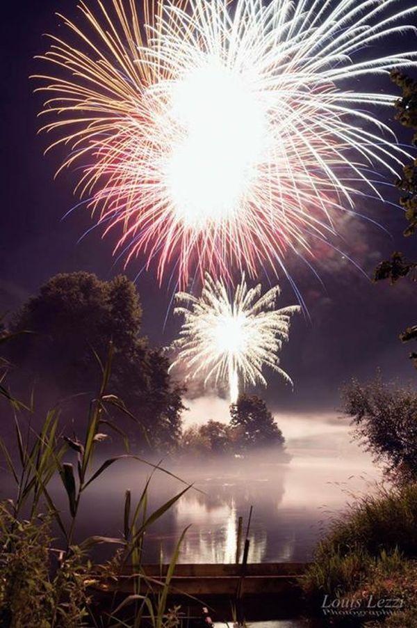 Le feu d'artifice de La Wantzenau, observé depuis une barque...