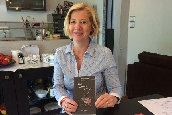 """Céline L'Hôte a écrit un livre, """" E(t) Lyme Minée"""" sur la maladie de Lyme"""