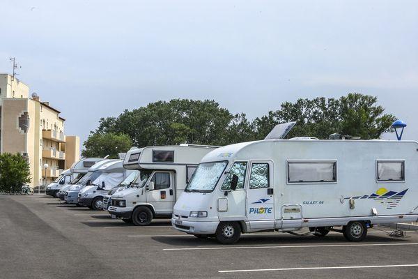 Les camping-cars ont du mal à se faire une place dans les grandes agglomérations normandes.