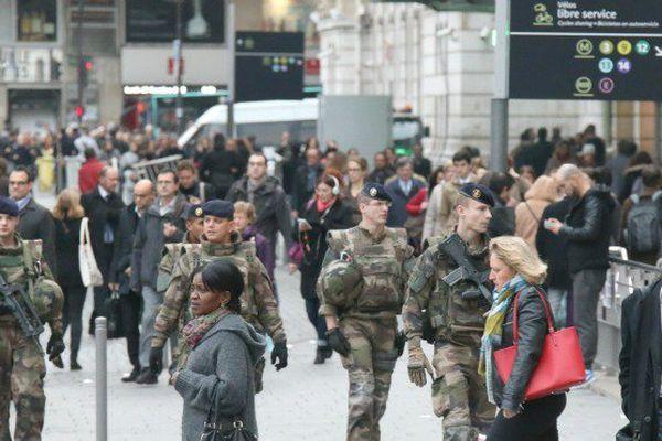 L'état d'urgence set prolongé pour 3 mois après l'attentat de Nice