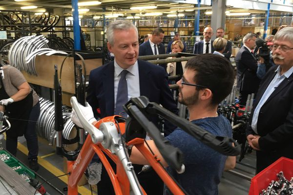 Bruno Le Maire, ministre de l'économie, a visité l'usine de vélos Arcade Cycles, et échangé avec les acteurs du monde économique sur le territoire.