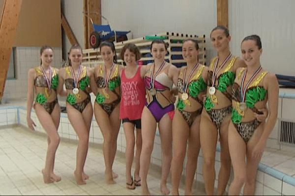 Une véritable moisson de médailles pour les nageuses de Saint-Cyprien.
