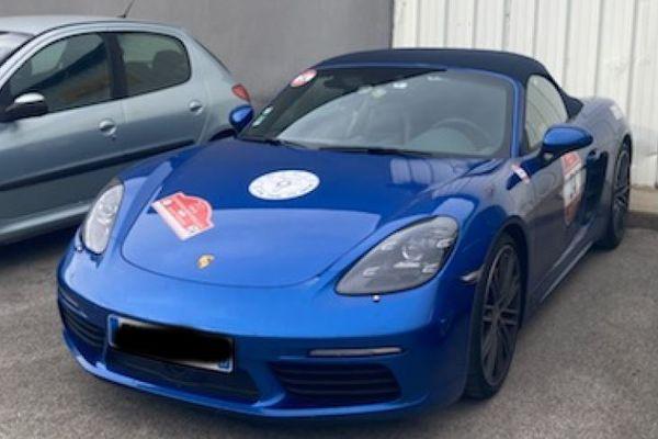 Aude : une Porsche de rallye aux plaques d'immatriculation maquillées mise en fourrière par les gendarmes de Quillan - septembre 2021.