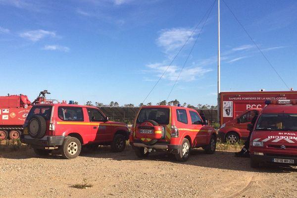 Une trentaine de sapeurs-pompiers ont été mobilisés pour venir à bout de l'incendie.