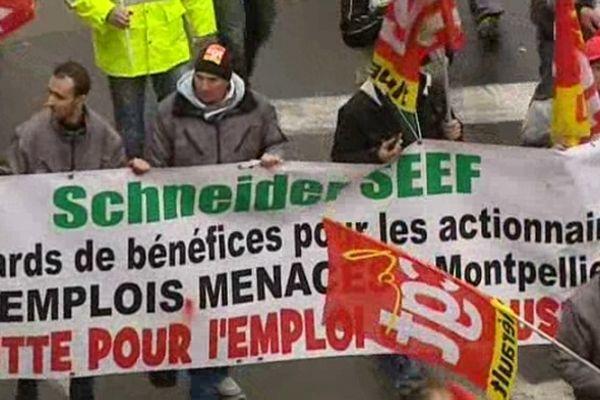 Montpellier - manifestants Schneider Electric arrivant aux halles Layssac - 5 mars 2013.