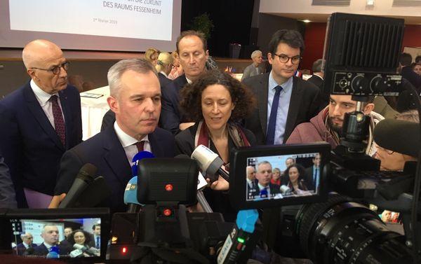 """François de Rugy et Emmanuelle Wargon venus signer le """"projet d'avenir"""" du territoire de Fessenheim. Le ministre de l'Ecologie et de la transition énergétique a refusé de s'exprimer sur le dossier Stocamine. Mais la décision semble définitive."""