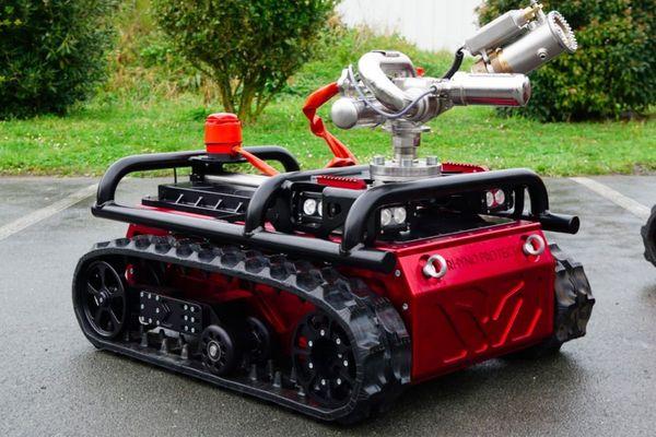 Le robot Rhyno Protect est capable de décontaminer jusqu'à 20.000m2 en trois heures