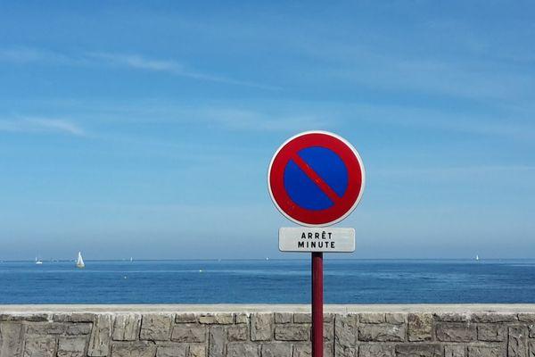 Prendre le temps d'apprécier le ciel bleu / Hendaye