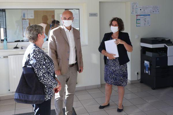 Le président du Conseil Départemental, Nicolas Perruchot en visite dans un collège