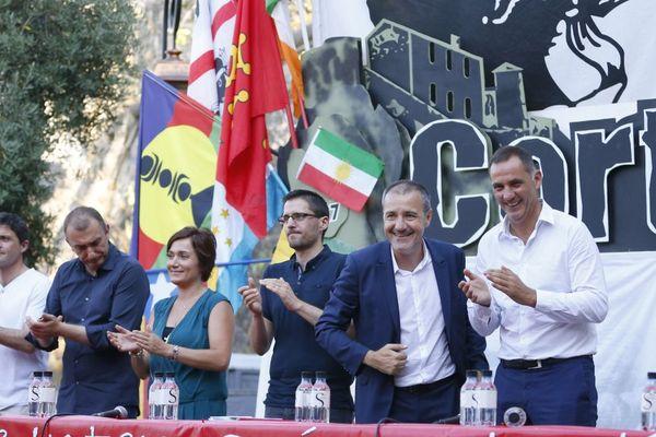 06/08/17 - Jean-Guy Talamoni, président de l'Assemblée de Corse et Gilles Simeoni, président du Conseil Exécutif (D) au 37èmes journées internationales de Corte