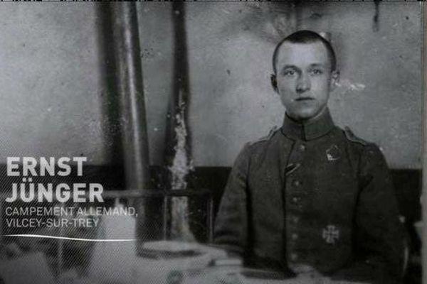 """Ernst Jünger, soldat puis officier allemand peandant le conflit de 14-18, auteur d' """"orages d'acier""""."""