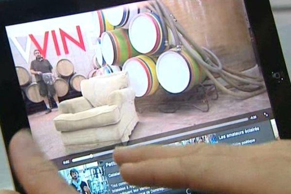 Un éditeur gardois lance une application pour smartphones et tablettes numériques, afin de faire connaître les vins du Languedoc-Roussillon au travers de bonnes adresses, conseils, rubriques et vidéos.