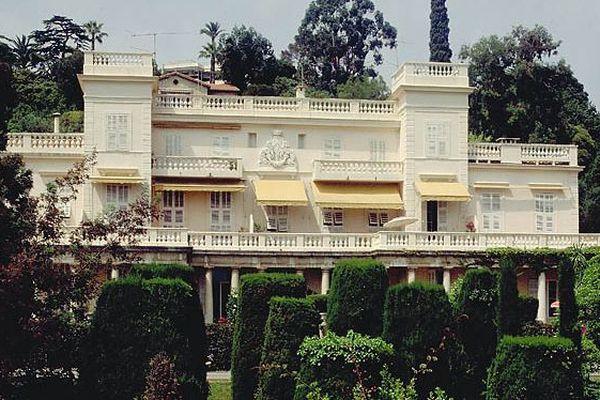 En 1935, Lord Henry Brougham fit construire la villa Eléonore-Louise.