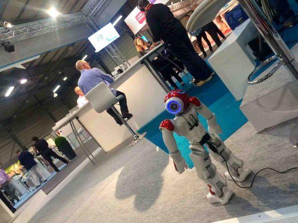Le robot Asmar, l'assistant connecté personnel de demain, était également l'invité de Christophe Chastanet.
