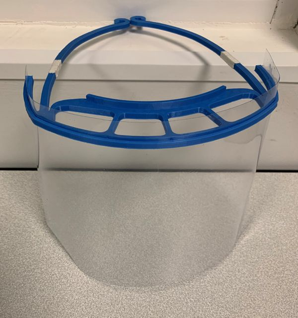 La visière définitive de protection contre le Covid-19 fabriquée à Manéglise avec une imprimante 3D
