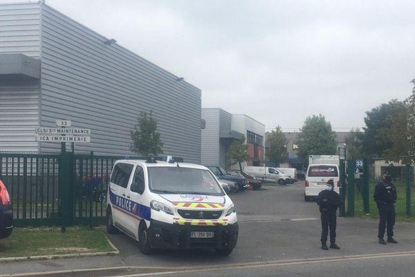C'est dans zone industrielle à Herblay dans le Val-d'Oise qui s'est déroulée l'agression des 2 policiers.