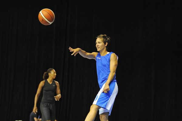 Céline Dumerc a joué 12 ans à Bourges Basket, un club où elle a connu ses plus belles années.
