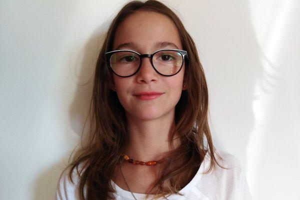 Manaé Dal Molin, en finale du Concours de lecture à voix haute.