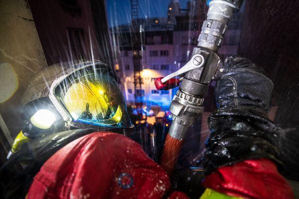 L'incendie s'est déclaré au 92, rue de l'Ourcq.