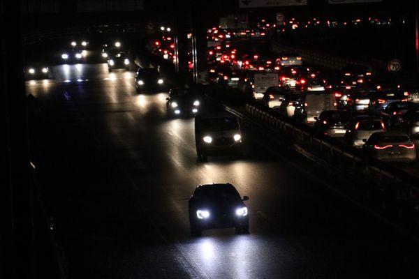 Deux opérations escargots sur l'A25, des ralentissements et des bouchons sur les autres autoroutes, le point info trafic de ce 17 décembre.