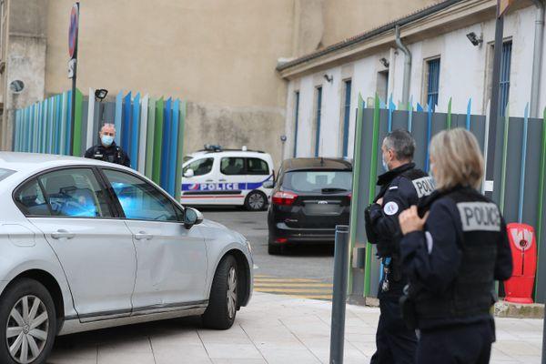 Valence (Drome) le 30.01.2021. Déferrement au parquet de Valence de Gabriel F., suspecté d'avoir assassiné 2 personnes à Valence et Guillerand-Granges, le 28 janvier 2021
