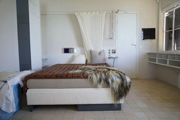 La chambre de Jean Badovici, dans la villa E-1027.