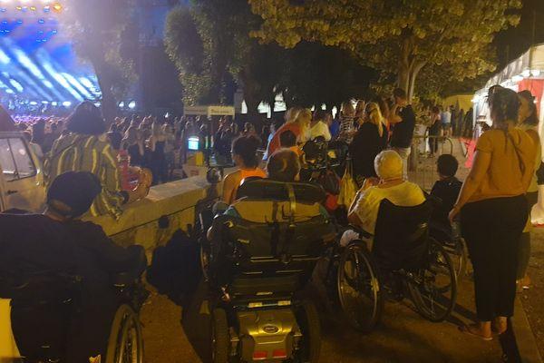 Difficile de profiter d'un concert dans des conditions optimales pour les personnes à mobilité réduite en Corse.