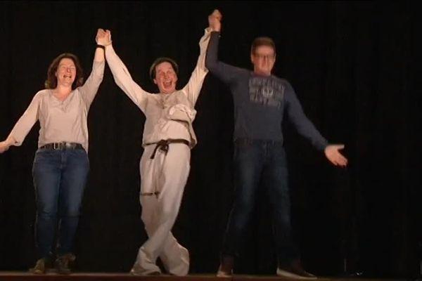 Vendredi soir, Julien Cottereau a donné à Thourotte, dans l'Oise, une leçon de lâcher prise à une classe de collégiens.