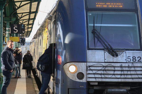Ce lundi, une partie des voyageurs frontaliers devaient changer de train à Thionville pour continuer jusqu'à Luxembourg. Ce sera pour plus tard.