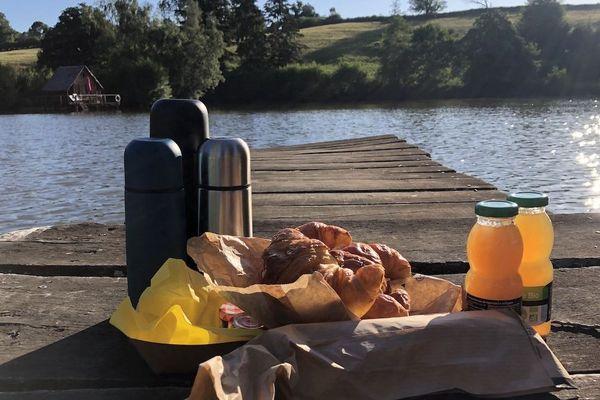 Quoi de plus beau que de prendre son petit-déjeuner au bord de l'eau ?