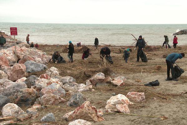 Les bénévoles ont principalement ramassé du plastique sur la plage, après le passage de la tempête gloria - 26 janvier 2020