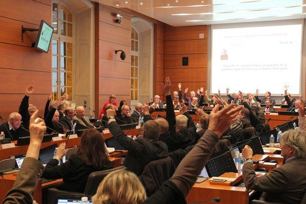 vote pour le tramway par les élus d'Amiens Métropole le 18 décembre 2012