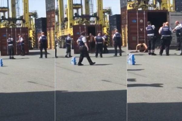 La police belge libérant les deux trafiquants de drogue enfermés dans ce conteneur sur le port d'Anvers.