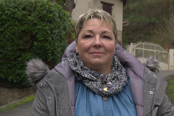 """Habitante de la Drôme, Marjorie, 44 ans, a été tirée au sort pour faire partie du collectif de 35 citoyens français, invités à  """"partager les préoccupations"""" et """"interrogations"""" de la société française quant à la campagne de vaccination anti Covid-19."""