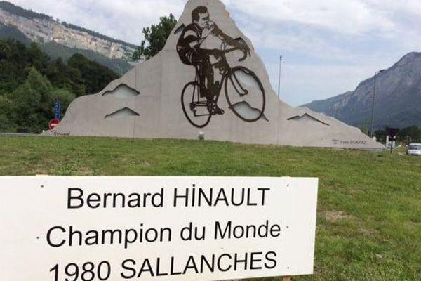 """La stèle a été inaugurée aujourd'hui, par le """"Blaireau"""" en personne."""